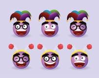 Ustalony śmieszny emoji z jokeru kapeluszem i diadem anteną ilustracja wektor