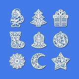 ustawić symbole świąteczne Święty Mikołaj, xmas drzewo, prezenta pudełko, skarpeta, dzwon, piłka, płatek śniegu, półksiężyc, gwia royalty ilustracja