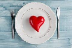 Ustawiać dla valentine& x27; s dnia romantyczny gość restauracji Odgórny widok Przestrzeń dla Obraz Stock