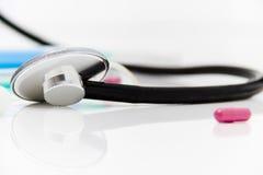 Ustawia dla grypowego traktowania - zdrowie i medycyny pojęcie Fotografia Royalty Free