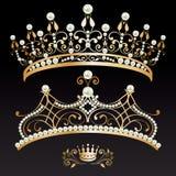 Ustawia kolekcję dwa luksusowego złoty z pereł kobiecymi tiarami royalty ilustracja
