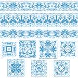 Ustawia kolekcje starzy Greccy ornamenty Antyk graniczy i płytki w białych i błękita kolorach ilustracja wektor