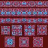 Ustawia kolekcje starzy Greccy ornamenty Antyk graniczy i płytki w czerwonych i błękita kolorach royalty ilustracja