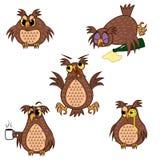 Ustawia odosobnionej Emoji charakteru kreskówki sowy z różnymi emocjami ściągania ilustracj wizerunek przygotowywający wektor royalty ilustracja