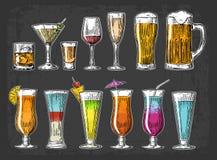 Ustawia szklanego piwo, whisky, wino, tequila, koniak, szampan, koktajle ilustracja wektor
