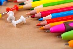 ustawiający barwioni ołówki Obraz Stock