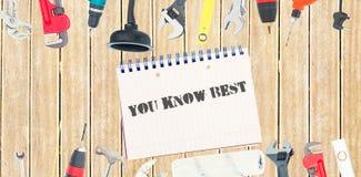 Usted conoce mejor contra las herramientas y la libreta en fondo de madera
