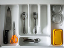 Ustensile rangé dans la cuisine Photos stock