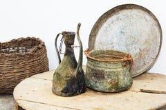 Ustensiles antiques de m?nage image stock