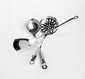 ustensiles de cuisine ou ustensiles de haute qualité de cuisine sur le fond Image stock