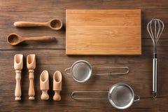 Ustensiles de planche à découper et de cuisine Photographie stock