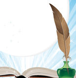 Ustensiles de vieux livre et d'écriture Image libre de droits