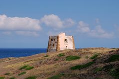 Ustica - Punta Spalmatore torn Royaltyfria Foton