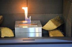 Ustione di Biofireplace sul gas dell'etanolo fotografia stock
