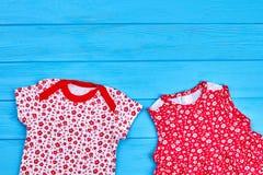 Usura sveglia di estate della neonata Fotografie Stock