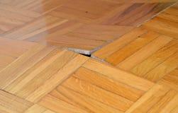 Uszkadzająca drewniana podłoga zdjęcia royalty free