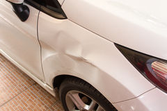Uszkadzający samochód zdjęcie stock
