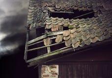 uszkodzone dach zdjęcie stock