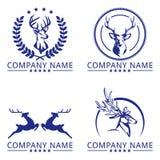 Utövande fullvuxen hankronhjort Logo Concept Royaltyfria Bilder