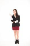 Utövande ung flicka som bär den röda kjolen och svart Arkivfoto