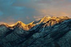 Utah berg i aftonljus arkivfoton