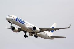 UTair Боинг 757-200 Стоковые Изображения RF