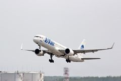 UTair Boeing 757 royalty-vrije stock fotografie