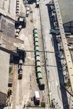 Utbilda med gas- och bränslebehållare, Barcelona Arkivfoton