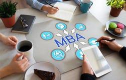Utbildning för MBA ledar- affärsadministration som lär begrepp personlig utveckling arkivbilder