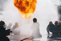 utbildning för uppgiftsbrandmanbrandmän Royaltyfria Bilder