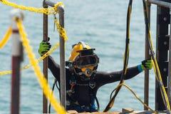 Utbildning f?r dykapparatdykning arkivfoton