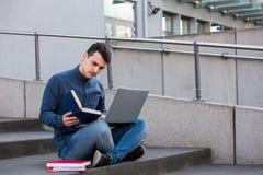 Utbildning och arbetebegrepp arkivbild