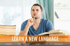 Utbildning och lär en ny språktext och man som tänker på ett arkiv Royaltyfri Fotografi