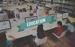 Utbildning som lär begrepp för skolastudieintelligens arkivbilder