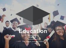 Utbildning som lär studera universitetkunskapsbegrepp royaltyfri bild