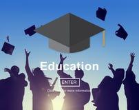 Utbildning som lär studera universitetkunskapsbegrepp royaltyfri fotografi