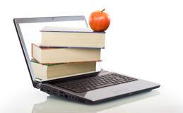 utbildning som lärer modernt online- Royaltyfria Bilder