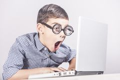 Utbildning teknologi och e-lära begrepp arkivfoton