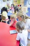 Utbildning till och med teknologi arkivfoton