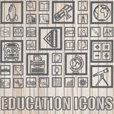 Utbildningssymboler på trä Royaltyfri Bild