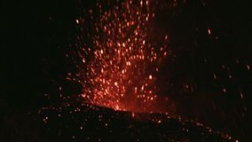 Utbrott av Volcano Etna, Italien lager videofilmer