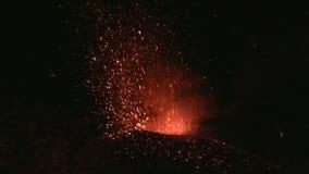 Utbrott av Volcano Etna, Italien stock video