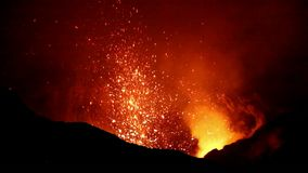 Utbrott av Volcano Yasur, Vanuatu arkivfilmer