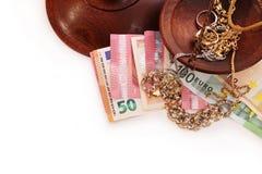 Utbyte av pengar, köp, försäljning, guld, diamanter, silver Arkivfoton