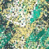 Utdragna små blommor för hand på texturerad bakgrund med strimmor, slaglängder, färgstänk och fläckar stock illustrationer