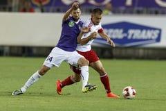 UTE vs För bankliga för DVSC OTP fotbollsmatch Royaltyfri Fotografi