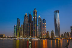 Uteliv i den Dubai marina UAE November 14, 2012 Royaltyfri Fotografi