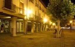 Uteliv i den huvudsakliga fyrkanten av Palencia Royaltyfri Bild