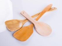 Utensílios da cozinha ou utensílios de madeira da cozinha no fundo Fotografia de Stock