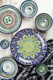 Utensílios de mesa cerâmicos do Uzbeque étnico Imagem de Stock